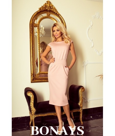 Różowa prosta sukienka z kieszeniami o sportowym fasonie Sara
