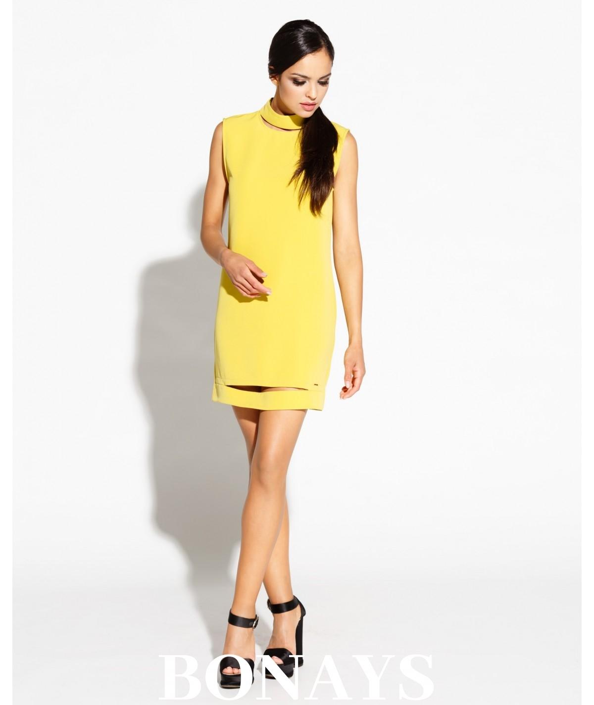 Prosta sukienka z oczkiem na plecach BRAX - żółta