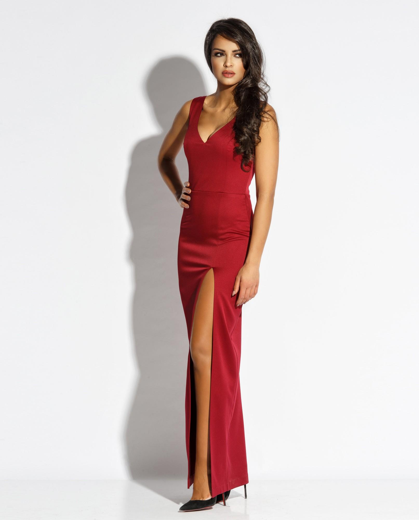 a082667a10 Długa dopasowana suknia z dekoltem Bella - bordowa