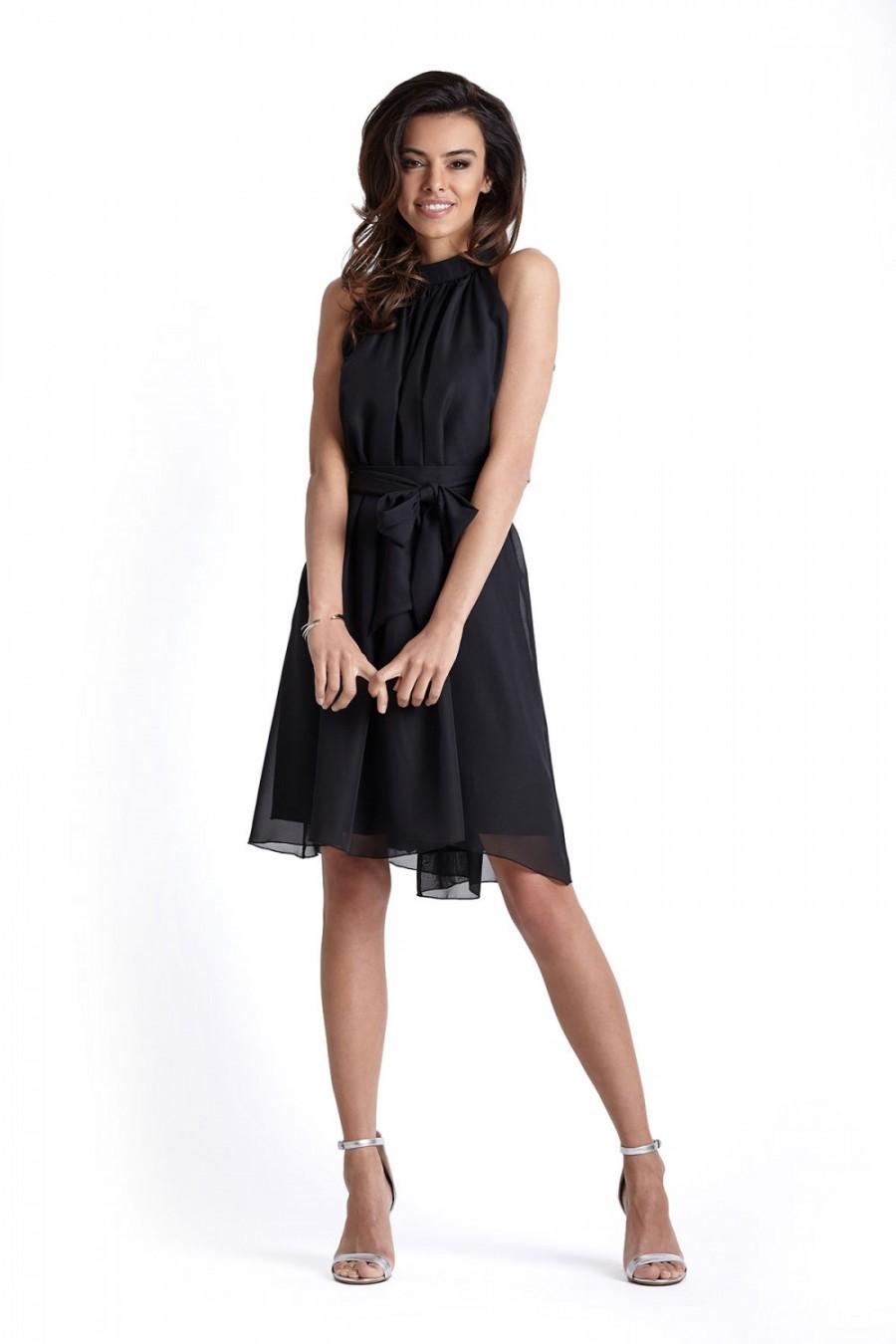 3251fa05646105 Lekka zwiewna sukienka z dekoltem typu halter - LIVIA czarna | Bonays.pl