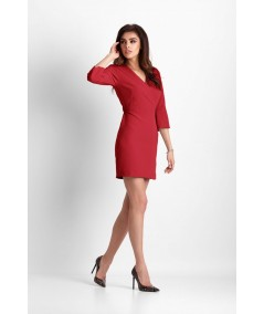 mała czerwona sukienka z kopertowym dekoltem