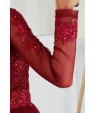 Bordowa rozkloszowana sukienka z tiulem i świecącą aplikacją Donna