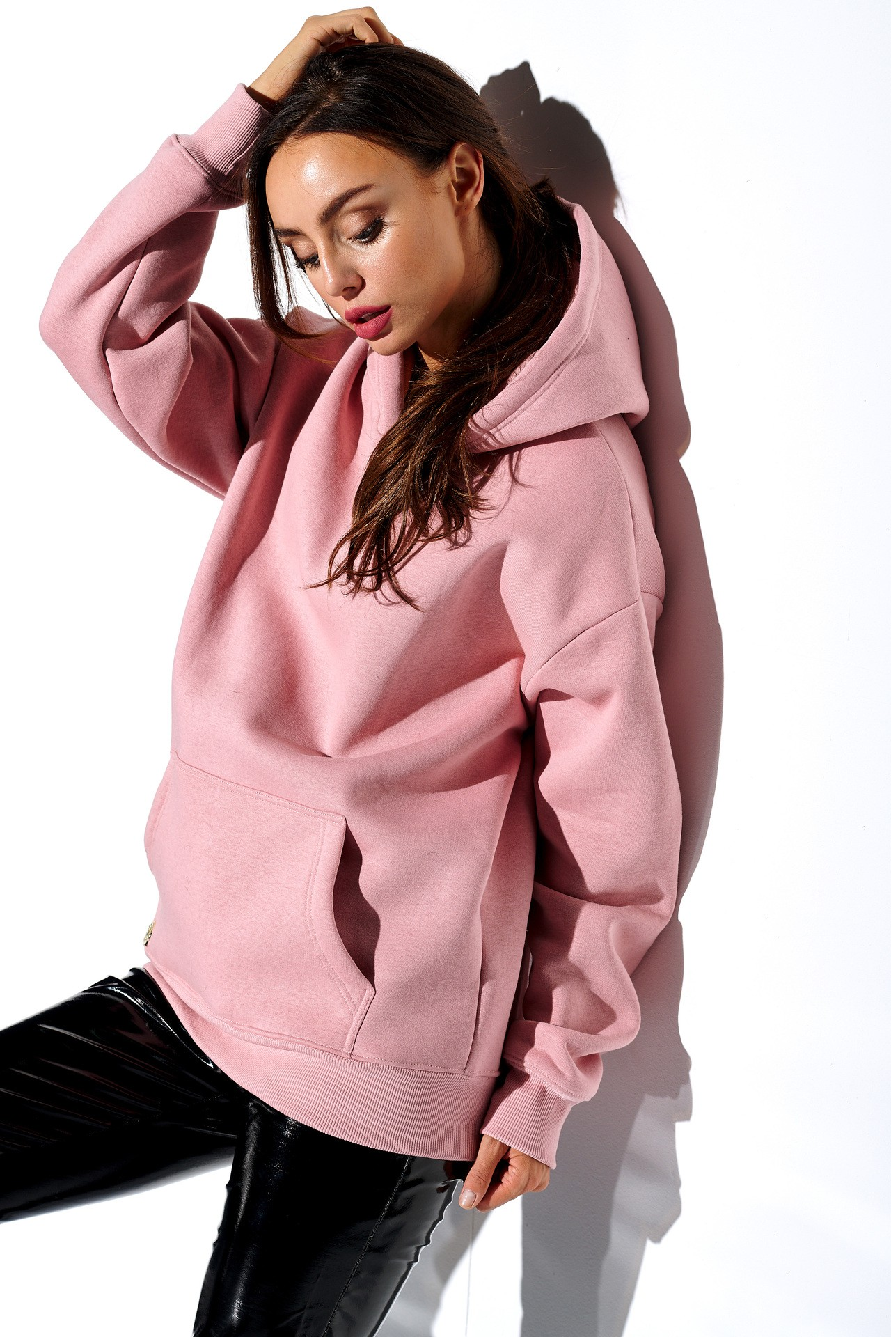 Lemoniade Różowa basicowa bluza damska z kapturem oraz