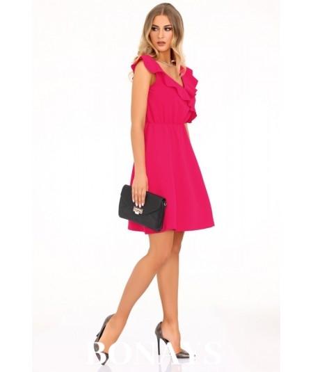 malinowa sukienka z falbanką marki merribel