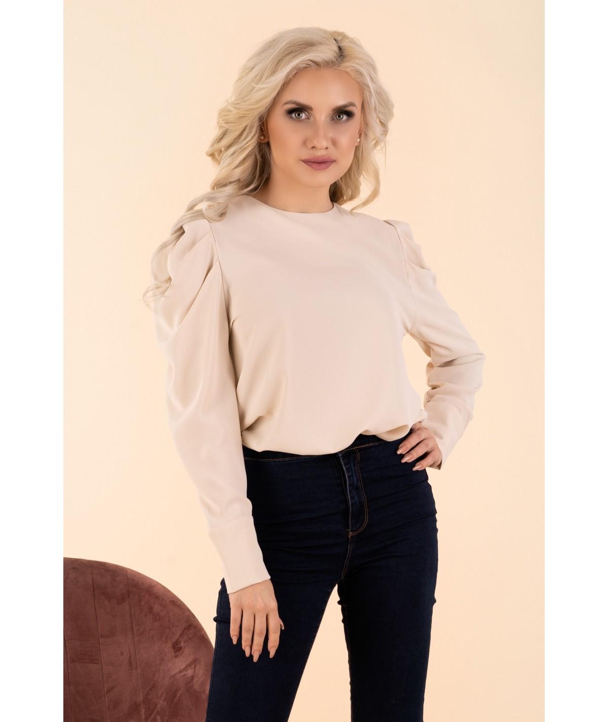 bezowa elegancka bluzka z bufami na rekawie merribel