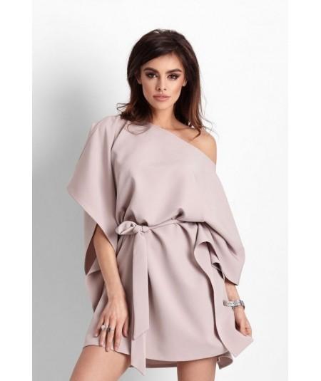 Beżowa sukienka typu nietoperz Lotta