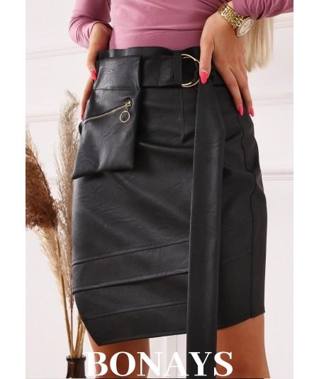 Czarna asymetryczna spódnica z ekoskóry POCKET