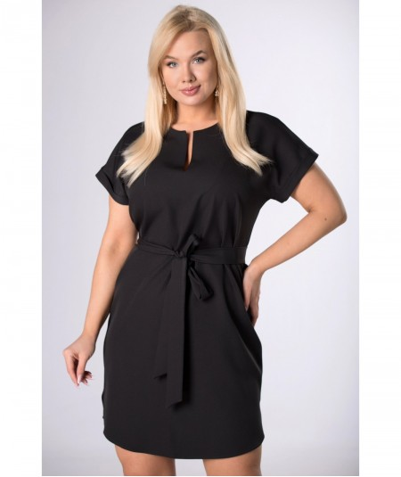 Czarna elegancka sukienka ze stójką