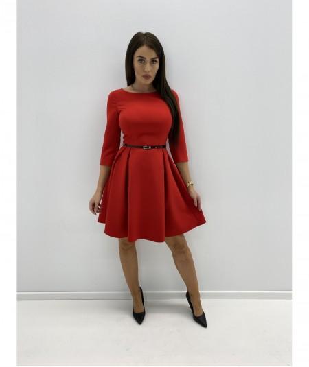 Elegancka minimalistyczna sukienka z paskiem czerwona